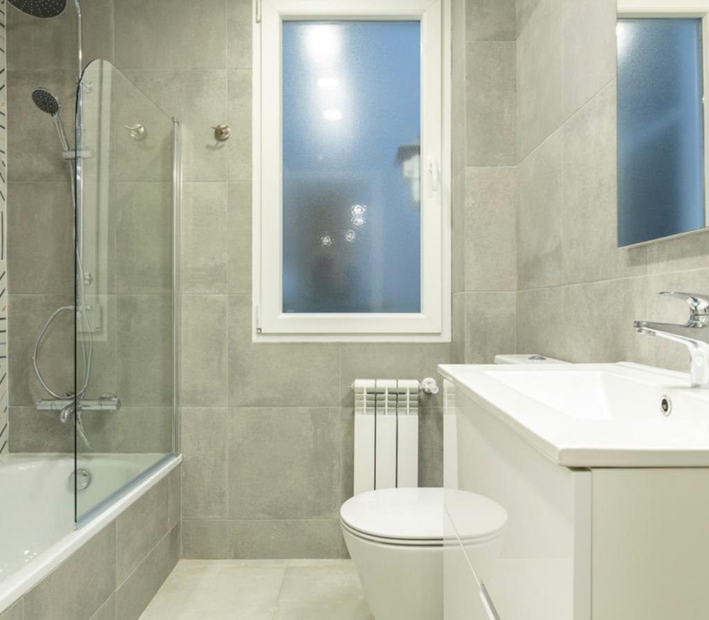 Reforma baños Barcelona instalaciones nuevas